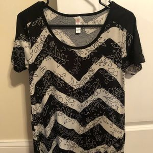 Lularoe XS (fits a small-medium) Top